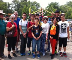【阳光学府国际教育】2014年美国暑期夏令营——学生与美国家庭一起郊游