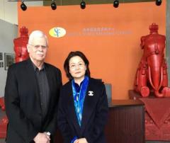 阳光学府总经理与前美国驻上海领事馆总领事合影